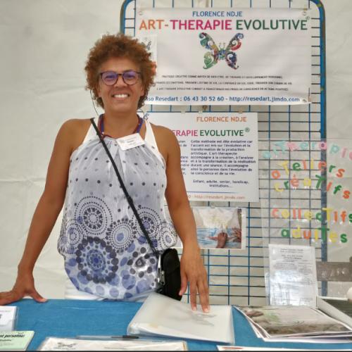 Florence art-thérapeuthe développement personnel à l'aide du médium artistique